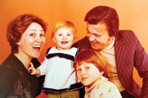 Панче и Невена со децата